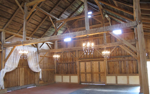 the barn at hogs hollow farm at lm townsend catering in